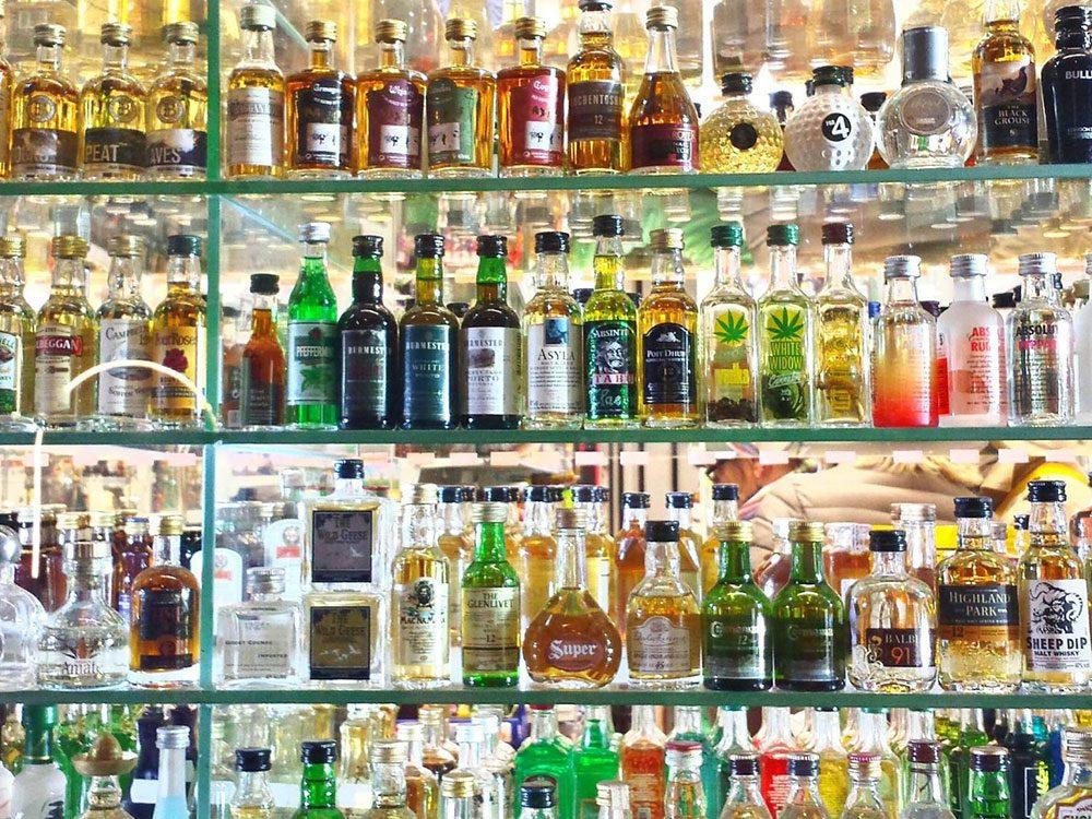 L'alcool est à éviter pour lutter contre l'anxiété.