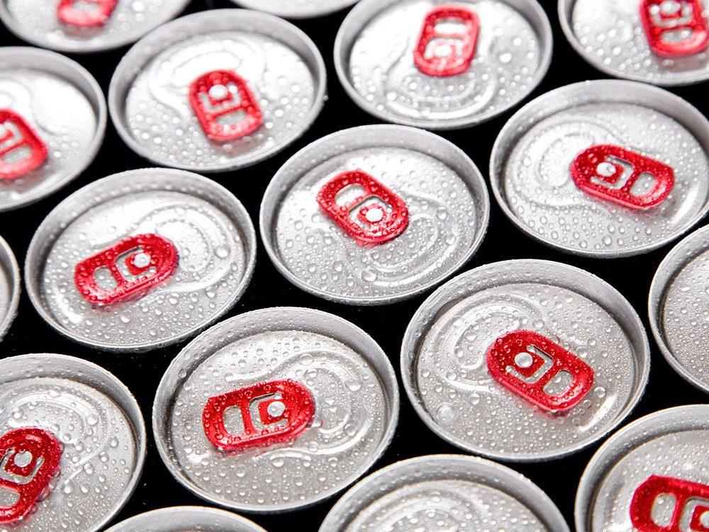 Les boissons énergisantes sont à éviter pour lutter contre l'anxiété.