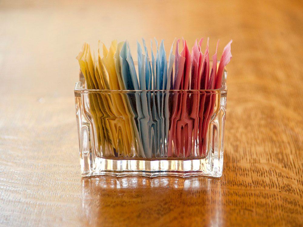 Les sucres artificiels sont à éviter pour lutter contre l'anxiété.