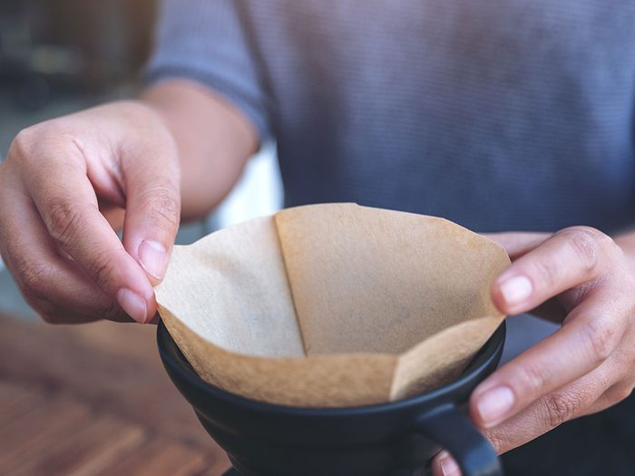 Les filtres à café font partie des objets du quotidien qui sont souvent mal utilisés.
