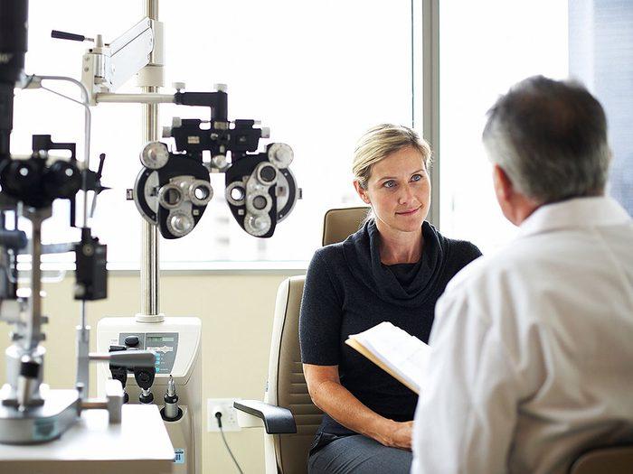 L'importance d'un examen de la vue périodique chez un ophtalmologiste.