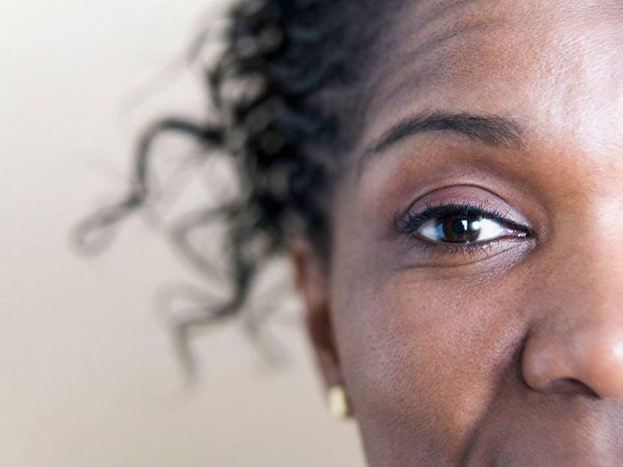 Les ophtalmologistes arrivent à détecter une tumeur du cerveau ou un cancer.
