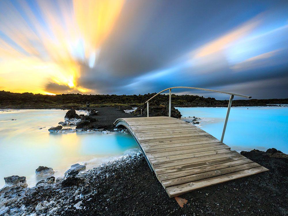 Le Spa géothermique Blue Lagoon est une piscine de rêve.