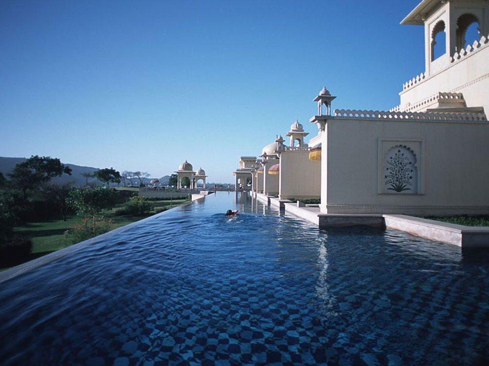 La piscine d'Oberoi Udaivilas est une piscine de rêve.
