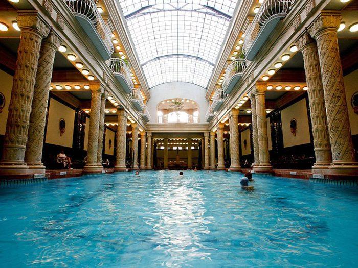 Les bains Gellert sont des piscines de rêve.