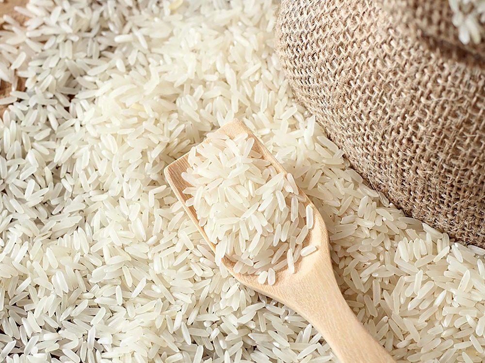 La date de péremption du riz blanc non cuit n'a pas vraiment d'importance.