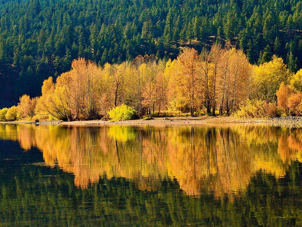 L'automne au Québec et au Canada lac Monte en Colombie-Britannique.