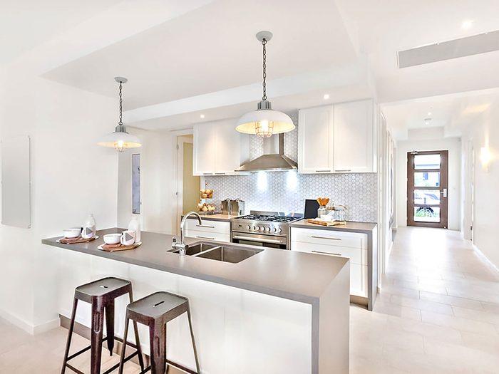 Comment augmenter la valeur de sa maison: pensez aux trois pièces clé.
