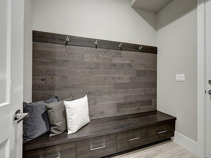 Comment augmenter la valeur de sa maison: pensez à une pièce à débarras.