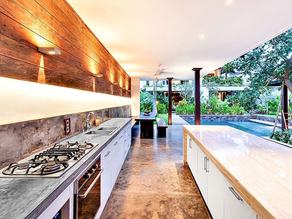 Comment augmenter la valeur de sa maison avec une cuisine extérieure.