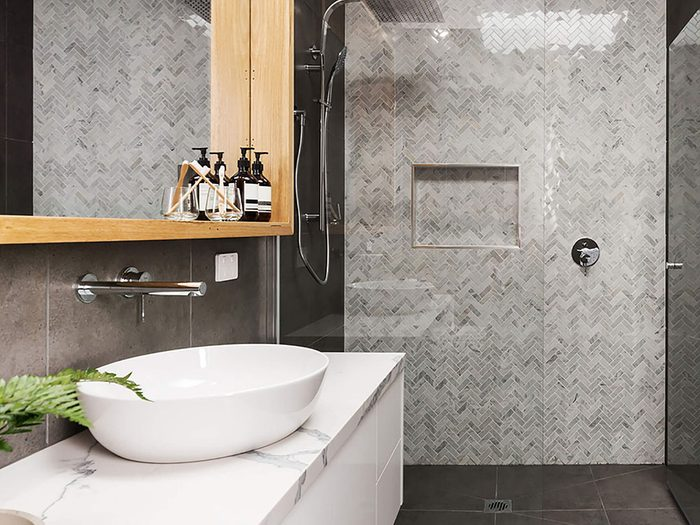 Comment augmenter la valeur de sa maison: redonner vie à la douche.