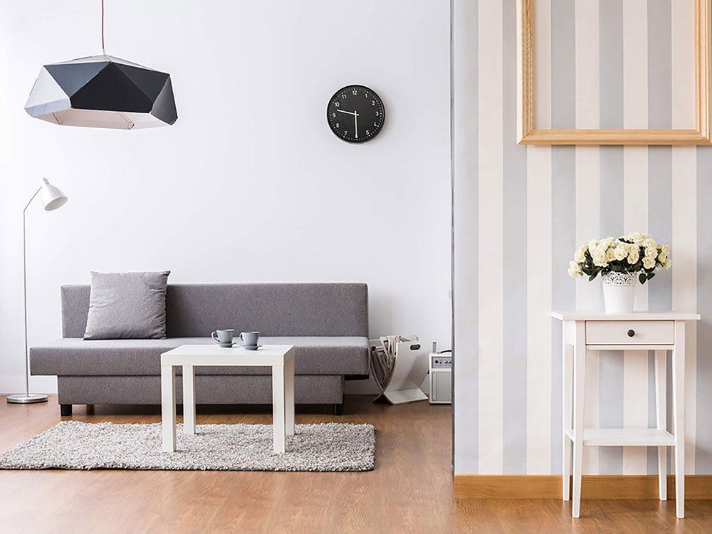 Comment augmenter la valeur de sa maison: mettez vos murs en valeur.