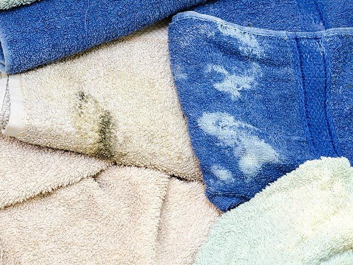 On peut désencombrer sa maison en se séparant des serviettes en ratine.