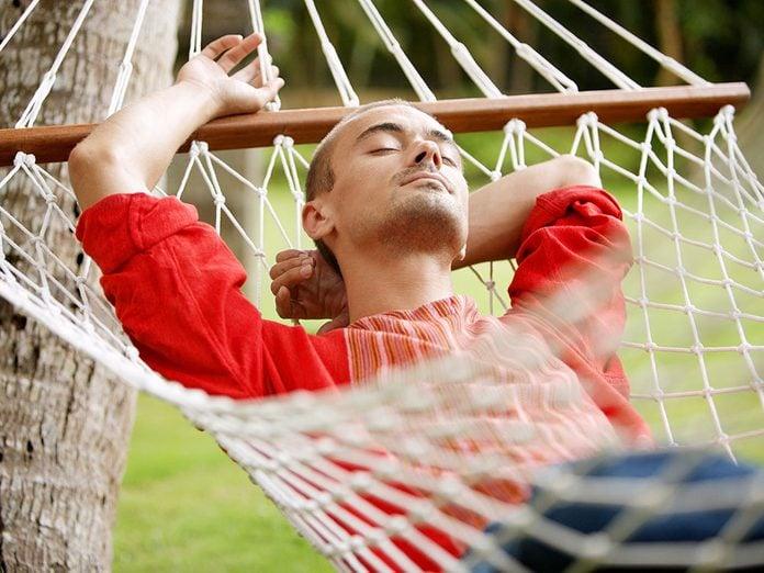 Effets négatifs des médias sociaux: pour vivre plus heureux, vivons sans Facebook... révèle une étude!