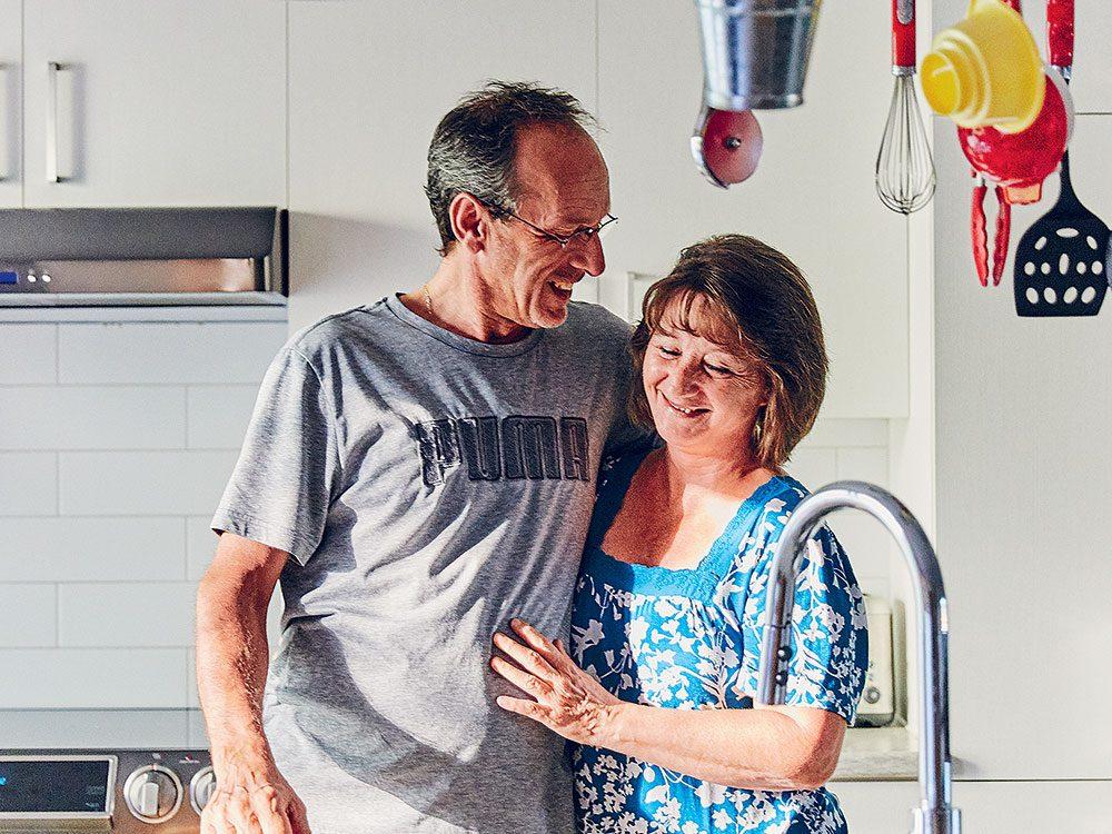 Alain Gauthier et sa femme, Pamela Gabo Scott, sont des héros de la COVID-19.