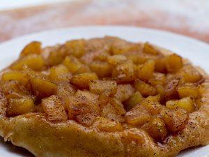 Tarte Tatin aux pommes sur le BBQ