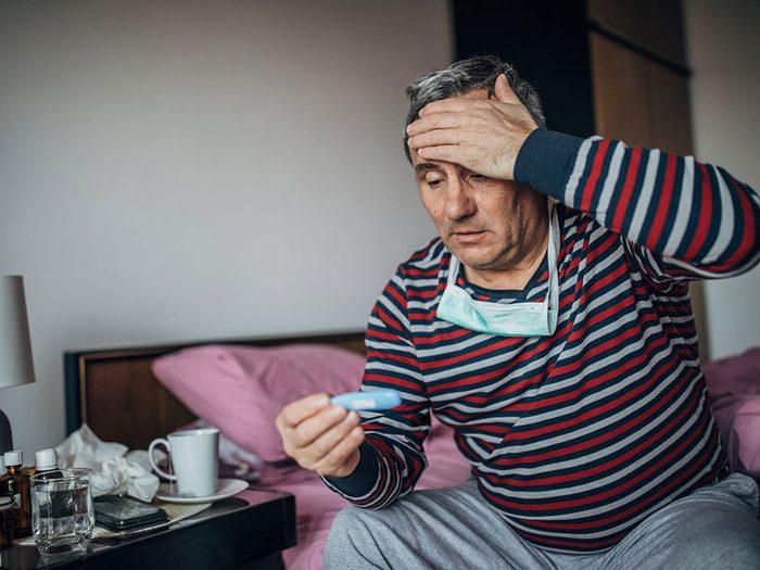 Symptômes de la COVID-19: Fièvre.