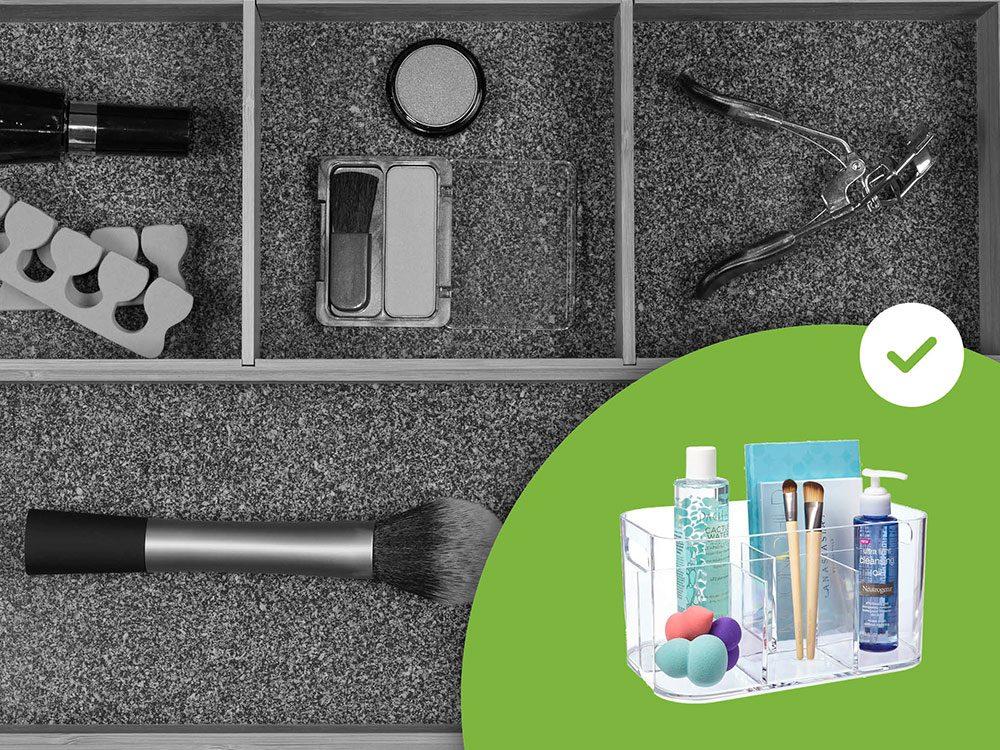 Les organisateurs de maquillage en acrylique font partie des accessoires de rangement que les experts en organisation n'achètent jamais.