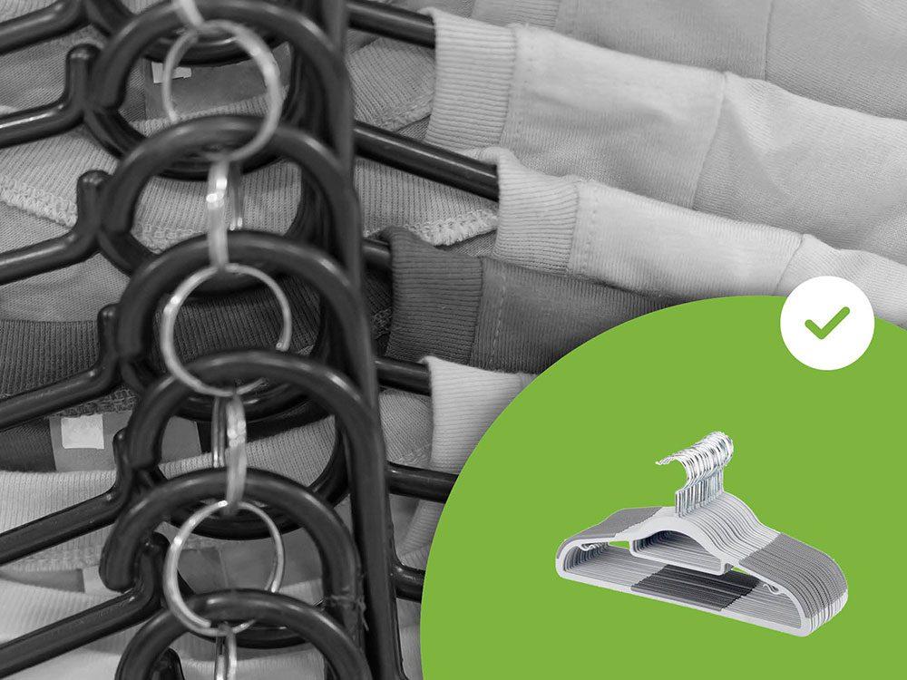 Les cintres à étages font partie des accessoires de rangement que les experts en organisation n'achètent jamais.