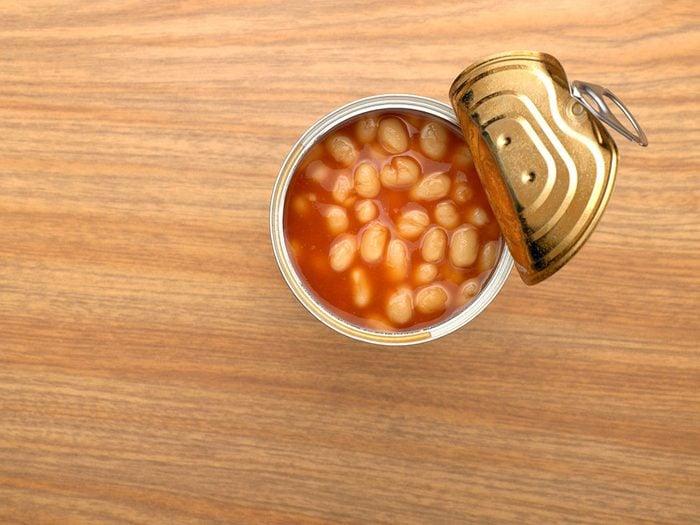 Les soupes et les légumes en conserve font partie des aliments qui sont mauvais pour le cœur.