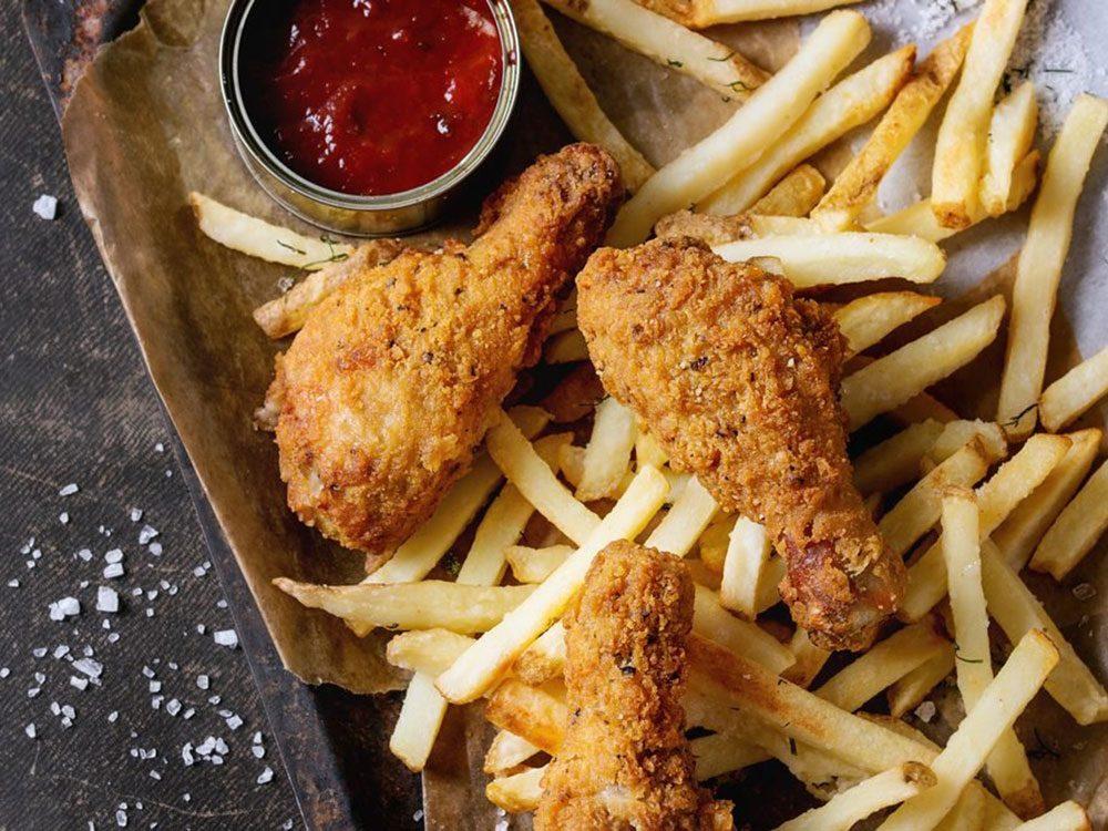 Les aliments frits font partie des aliments qui sont mauvais pour le cœur.