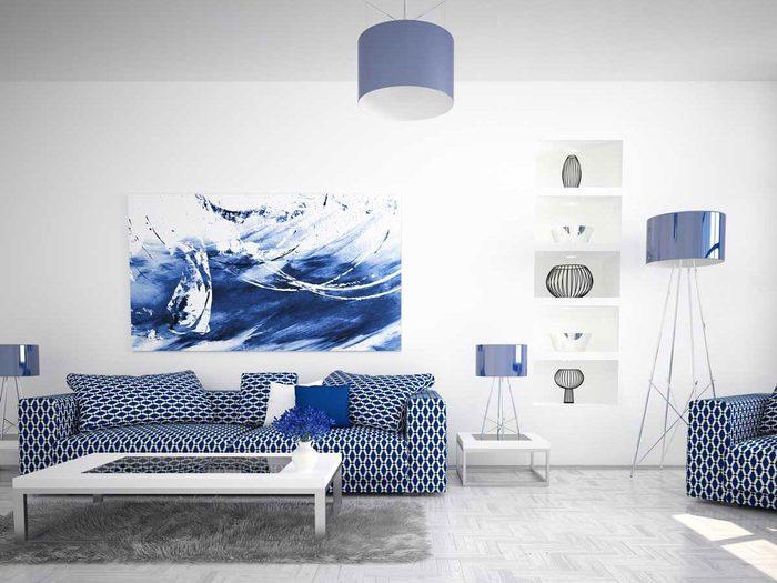 Ne pas décorer avec des meubles trop agencés pour un aménagement intérieur plus personnalisé.