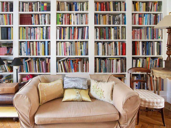 Ne pas ajouter trop de meubles pour l'aménagement intérieur.