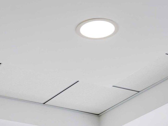 Ne pas compter seulement sur des plafonniers pour l'aménagement intérieur.