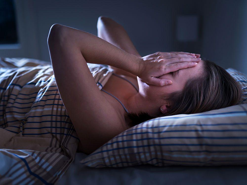 Se réveiller la nuit et souffrir d'angoisse nocturne: les conseils d'experts.