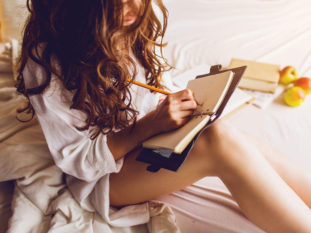 Comment faire un journal intime: trouvez un journal que vous aimez.