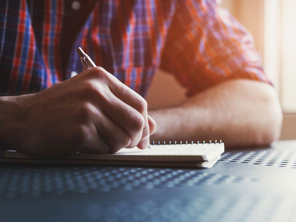 Comment faire un journal intime: soyez honnête.