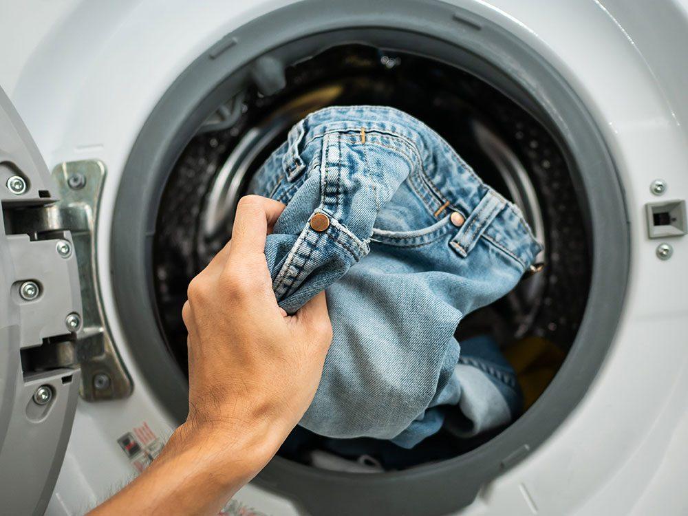 Nettoyez bien vos vêtements pour éviter la covid-19.