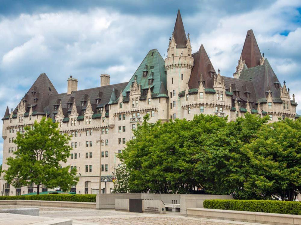 Le Fairmont Château Laurier à Ottawa fait partie des endroits hantés au Québec et au Canada.