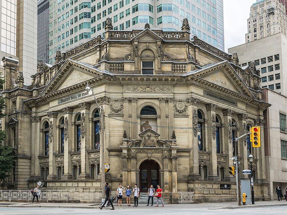 Le Temple de la Renommée du Hockey à Toronto fait partie des endroits hantés au Québec et au Canada.