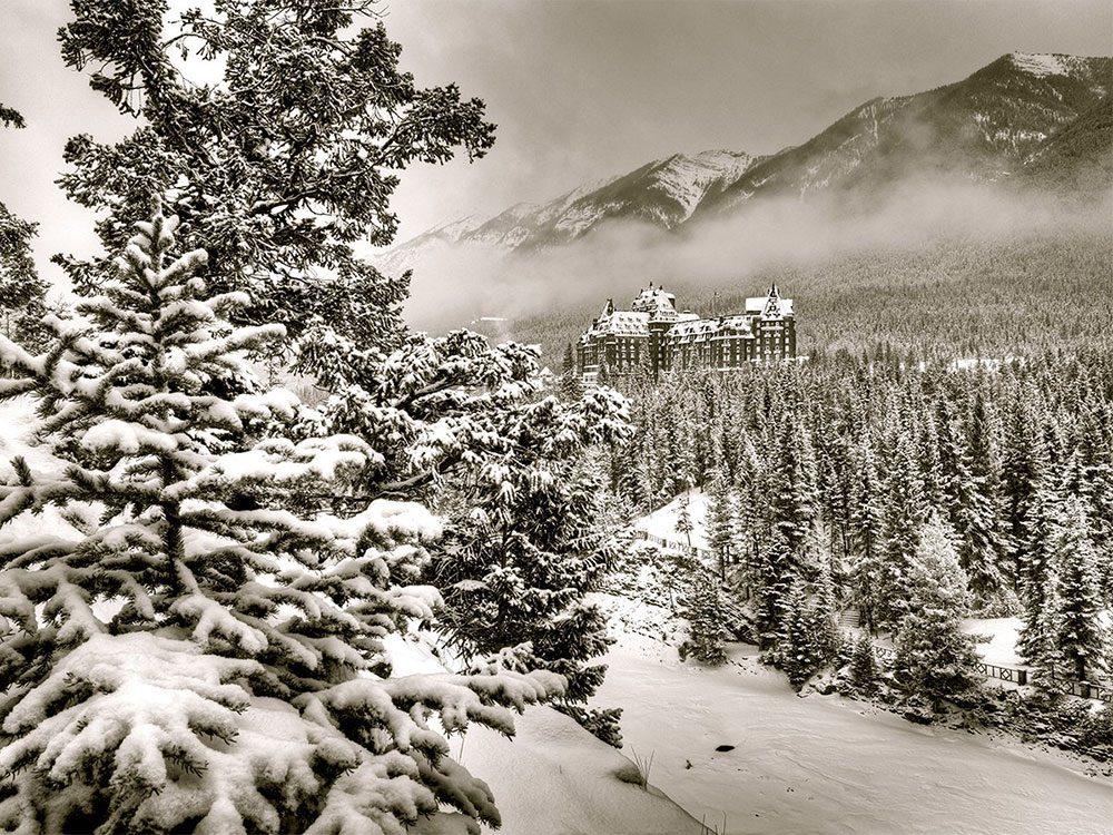 Hôtel Fairmont Banff Springs à Banff en Alberta fait partie des endroits hantés au Québec et au Canada.