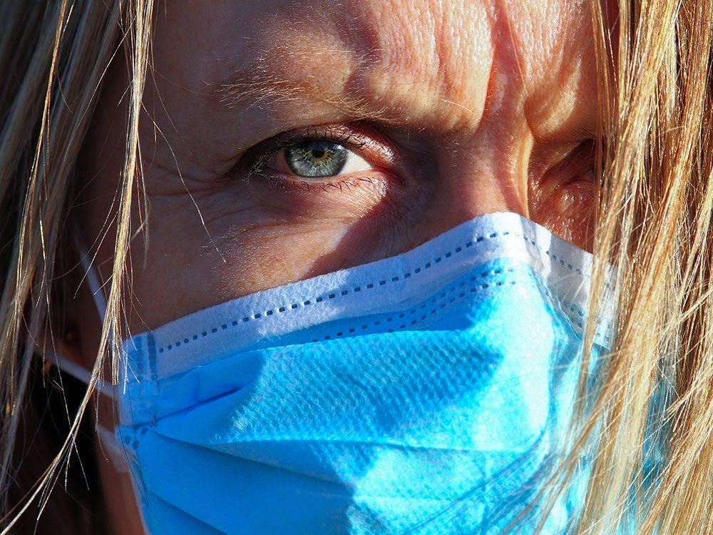 Colère: comment lire les expressions faciales quand les gens portent un masque?