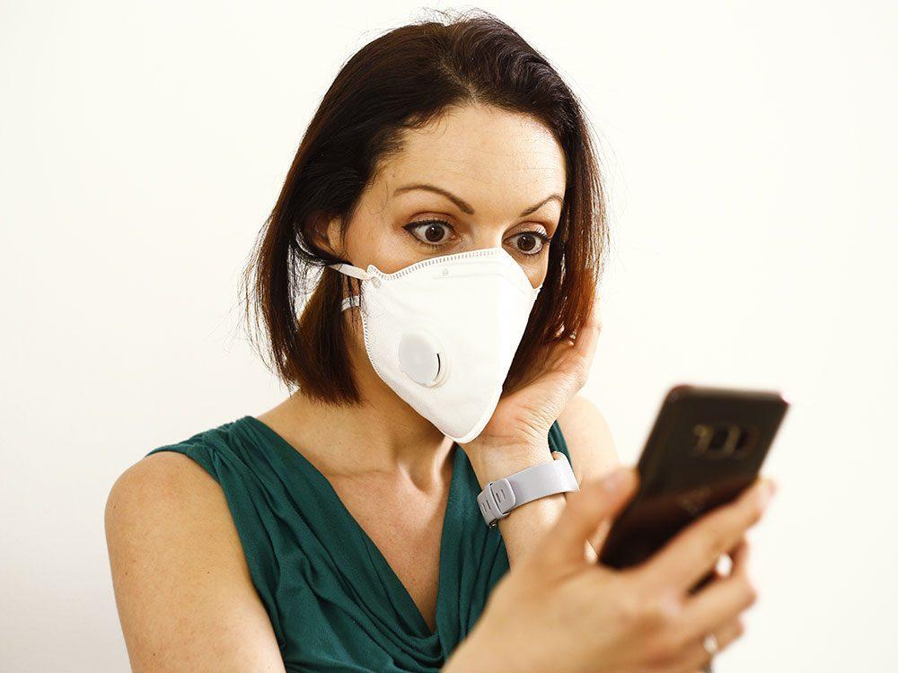 Surprise: comment lire les expressions faciales quand les gens portent un masque?