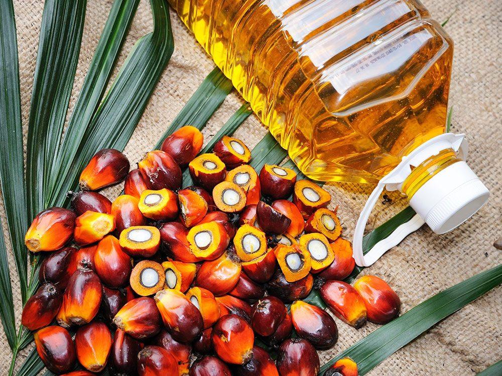 L'huile de palme est une bonne huile pour la cuisson.