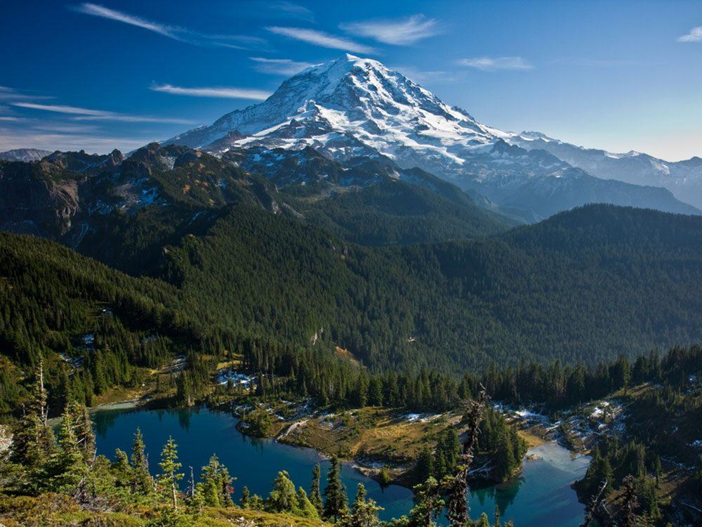 Des observations d'ovnis ont eu lieu au Mont Rainier dans l'état de Washington en 1947.