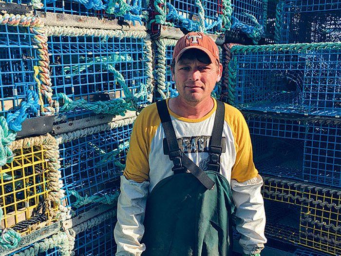 Le pêcheur Todd Newell participe à la surveillance de la pêche meurtrière.
