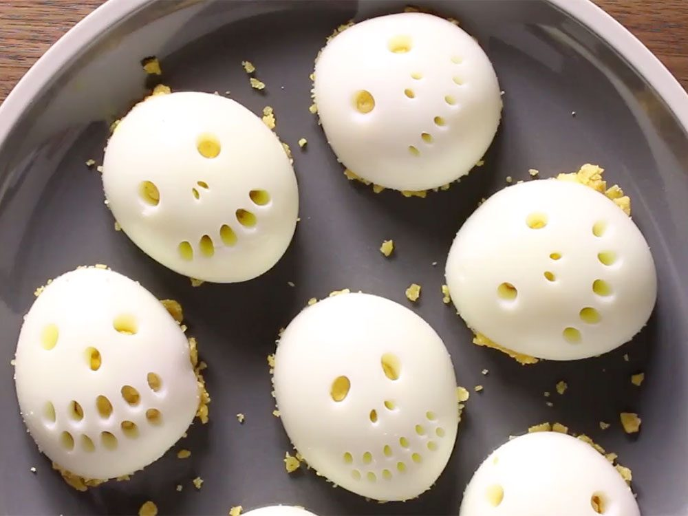 Recette de crânes d'œufs farcis.