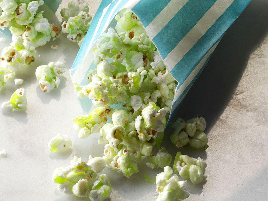 Recette de popcorn sucré effrayant.