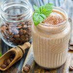 Essayez ce smoothie au café pour un déjeuner protéiné santé