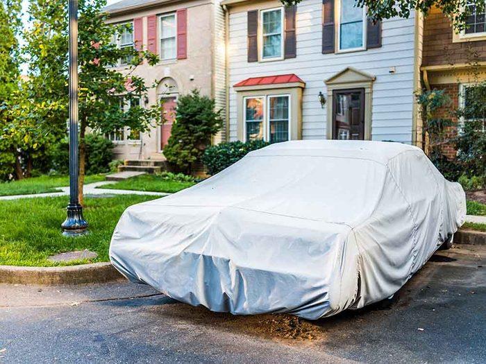 Entretien de l'auto: 13 choses qui ne devraient jamais toucher votre voiture.