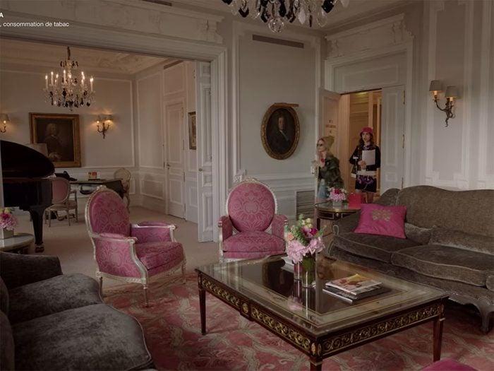 Clichés sur les Français: la luxure des appartements.