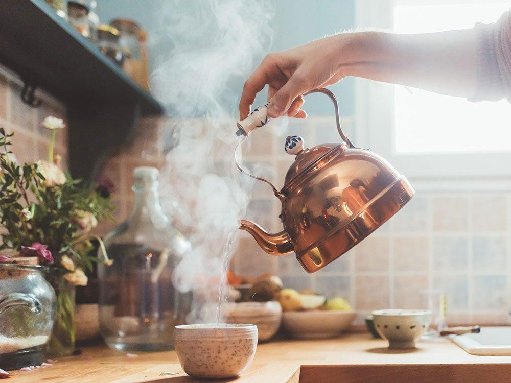 Comment préparer le thé: choisissez votre eau.
