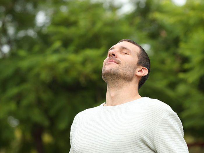 Exercices de respiration: les bienfaits pour la santé du soulagement du stress.