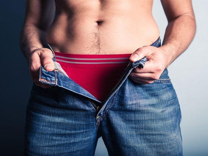 Porter des sous-vêtements pour éviter les accrochages avec une fermeture éclair.