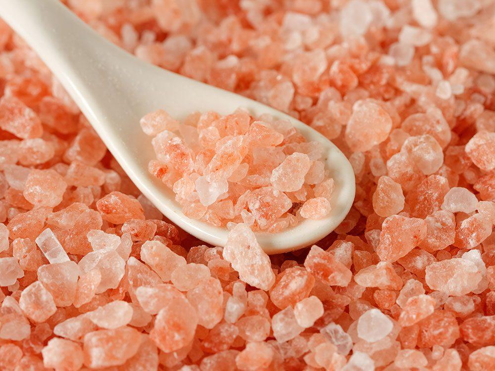 Quel est le meilleur sel pour la santé: le sel rose de l'Himalaya.