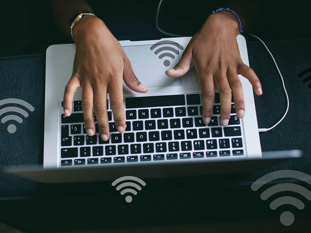 Des problèmes avec vos appareils ou vos renseignements personnels peuvent signifier que quelqu'un utilise votre réseau wifi.